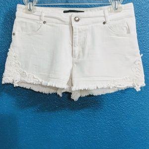 🎉 3/$25 EUC ~ Ambiance Apparel Cut Off Shorts